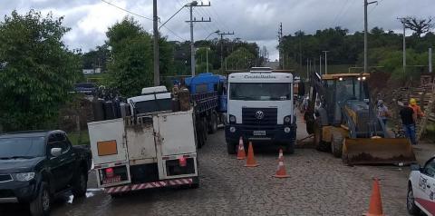 Obras deixam trânsito em meia pista da Rua Ambrósio Dalló em Cocal do Sul