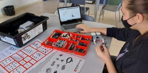 Cocal do Sul dá início ao projeto de robótica