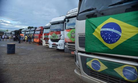 Governo discute novas linhas de créditos para caminhoneiros