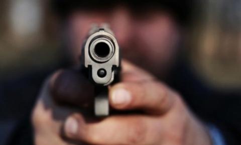 Mercado é alvo de assalto à mão armada em Araranguá