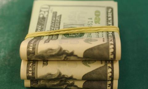 Dólar ultrapassa R$ 4,18, segundo maior valor desde criação do real