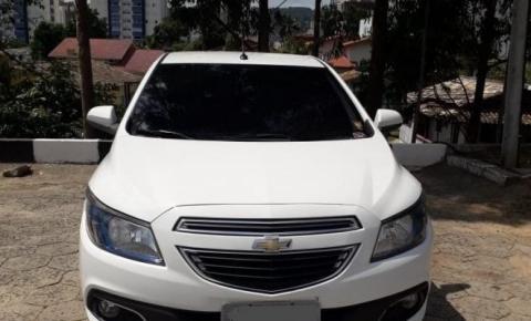 Dois são detidos por receptação e PM recupera carro roubado no RS