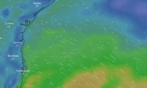 Ciclone Kurumim: Defesa alerta para risco de enxurradas, ventos e onda forte em SC