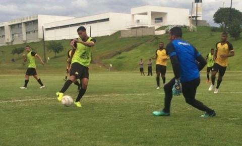 Criciúma E.C. treina forte para jogo contra o Brusque