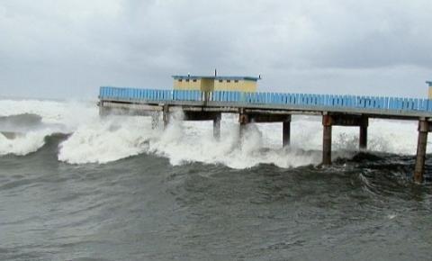 Defesa Civil alerta para formação de temporais com vento de até 90 km/h