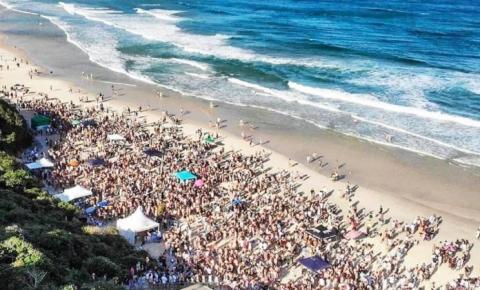 Aglomero na praia pode reverter curva decrescente de pandemia na Amrec