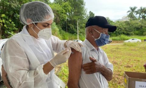 140 idosos são vacinados neste sábado em Cocal do Sul