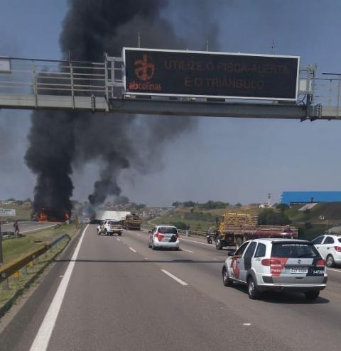 Assalto Cinematográfico no Aeroporto de Viracopos deixa 2 baleados e fecha rodovia no interior de SP