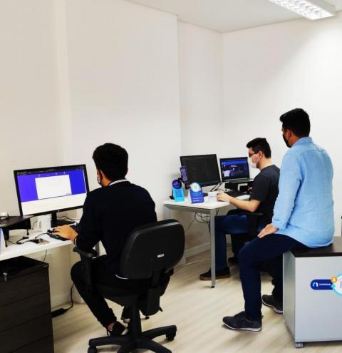 Startups e aplicativos: tecnologia a favor dos negócios locais